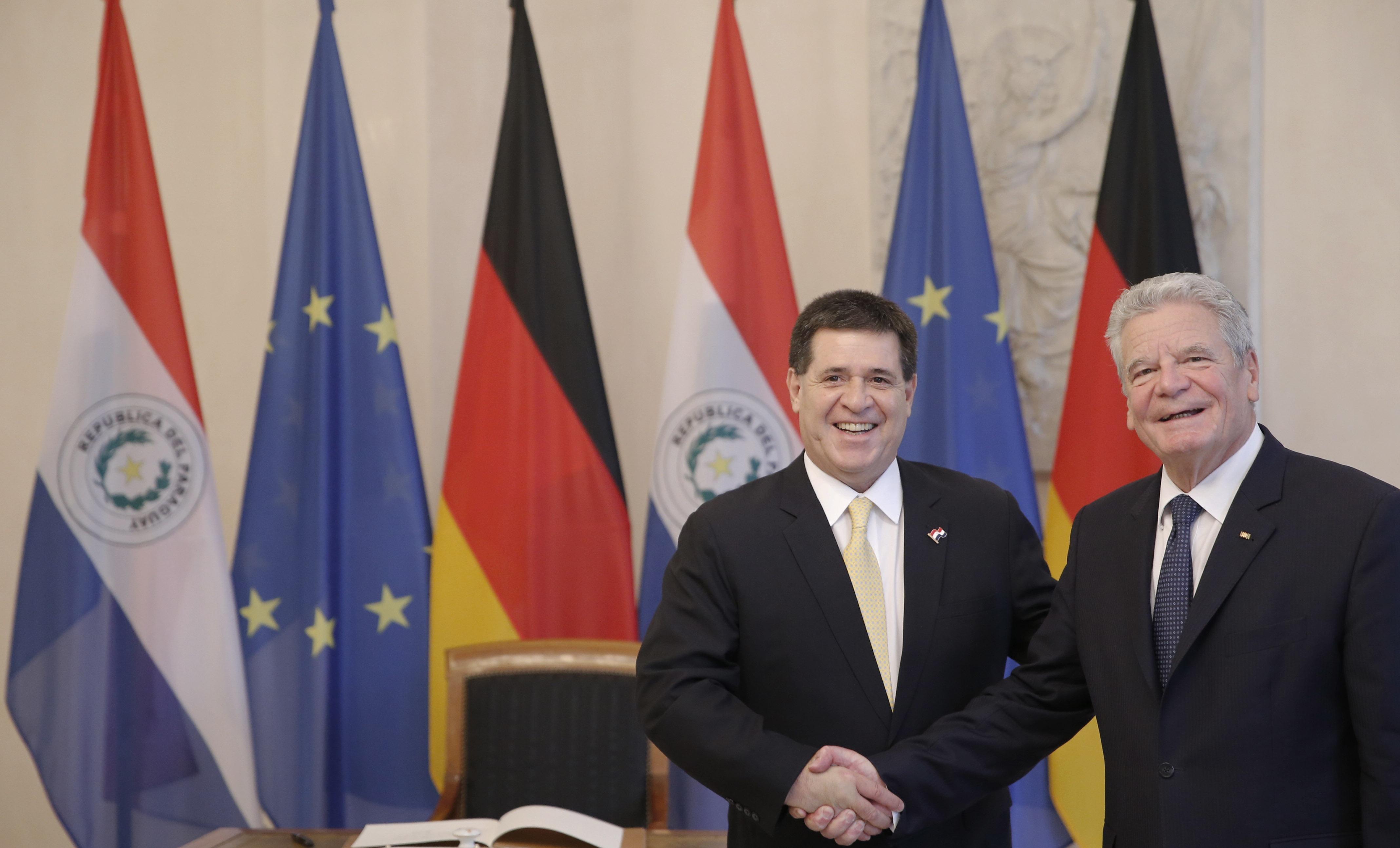 Foto-1-Besuch-an-Gauck